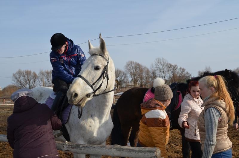 Экскурсия в частный конный клуб (пос. Выездное) для детей и подростков с ограниченными возможностями