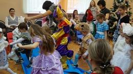 Праздничный марафон начнется 23 декабря благотворительной «ёлкой»